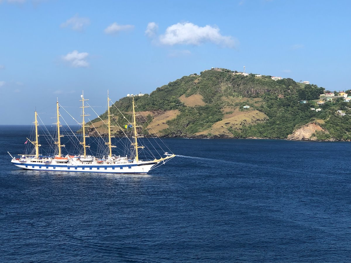 Boat sailing in St Vincent and the Grenadines. Photo credit: Annie Mason, 2020