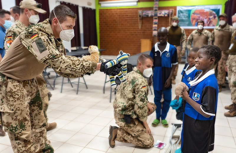 The German army offered toys to CURE Niger kids this week.