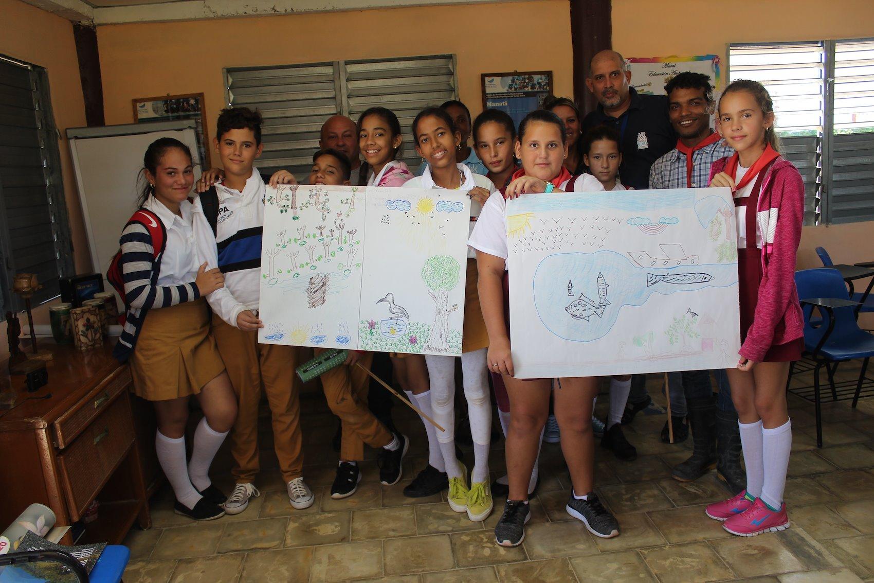 Trabajo con escuelas como parte del Día de los Humedales 2019 / Crédito de la foto: Proyecto Manglar Vivo, PNUD Cuba